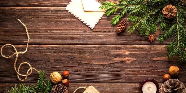 Zkuste vánoční přání poslat letos také poštou