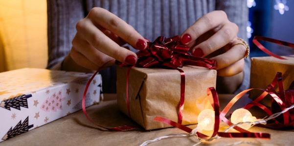 Každý dárek je lepší, když k němu připojíte přání