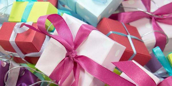 Kdy slaví narozeniny Monika z Přátel?
